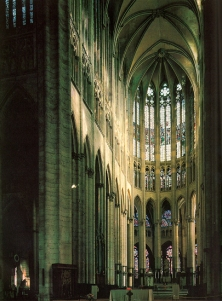 Beauvais_Cathedral_interior