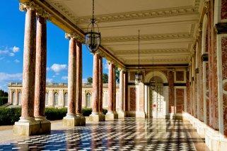 grand-trianon-loggia-chateau-versailles
