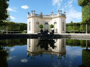 Petit_Trianon-Palace_of_Versailles-Subsidiary_structures_of_the_Palace_of_Versailles-image